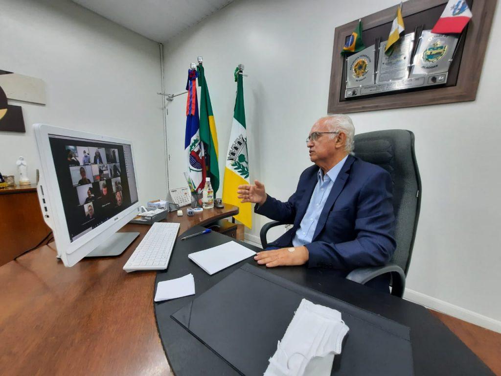 PREFEITO PARTICIPA DE REUNIÃO COM REPRESENTANTES DO COMÉRCIO E DISCUTE A RETOMADA DA ECONOMIA LOCAL