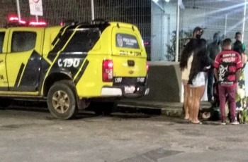 ARAPIRACA:Mulher supostamente embriagada se exalta após companheiro pegar filho do casal e PM é acionada
