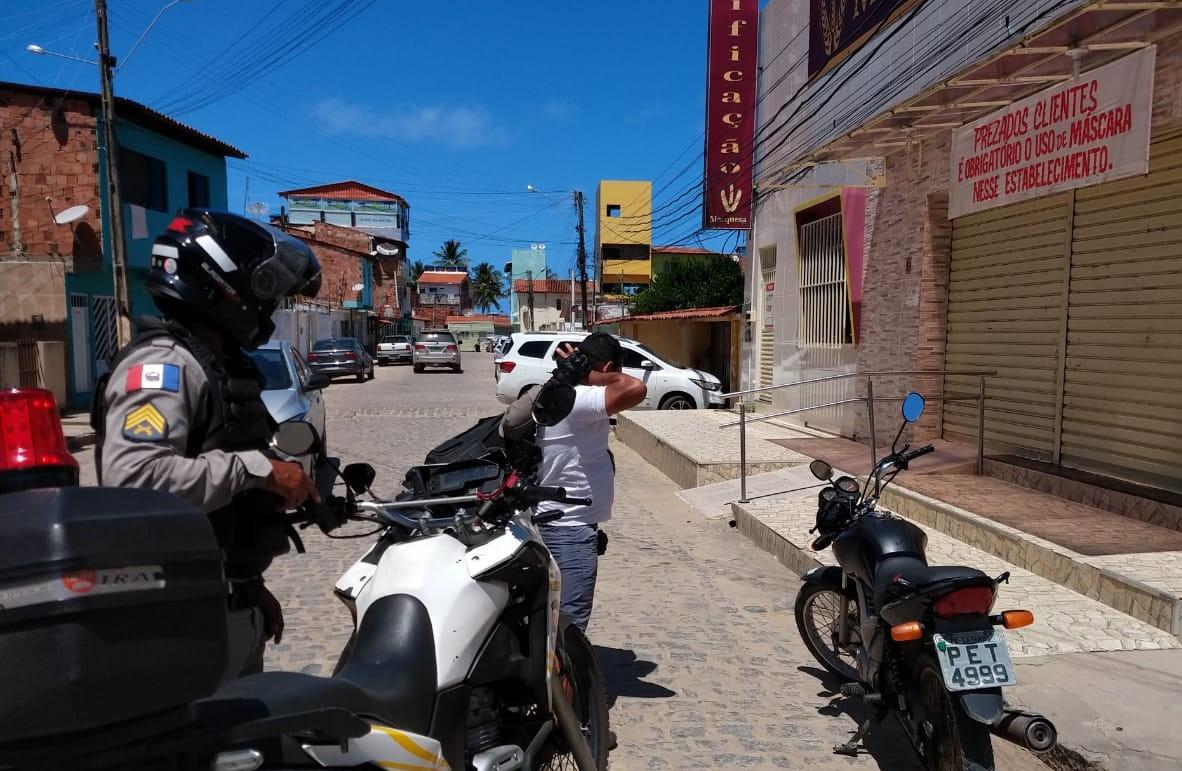 FERIADO: BPTran  flagra 30 condutores inabilitados  em Maragogi