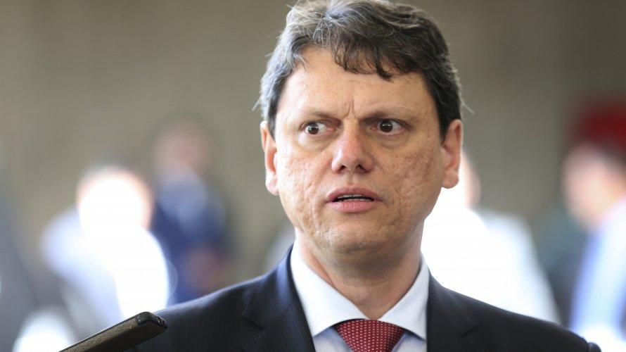 Contratos assinados por ministro da Infraestrutura entram na mira da PF