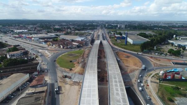 MOBILIDADE Com obras em fase final, começa a pavimentação do Viaduto da PRF em Maceió