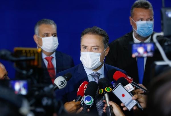 COMBATE À PANDEMIA Governador faz apelo para que população leve adiante medidas de proteção contra Covid-19