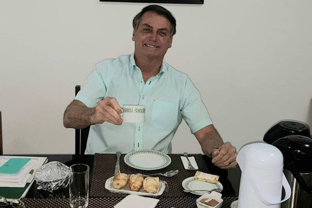 Empresa que faturou R$ 37 milhões com governo Bolsonaro nega venda milionária de leite condensado