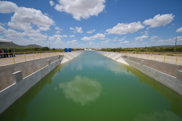 Canal do Sertão: Infraestrutura autoriza a liberação de mais quatro quilômetros de água