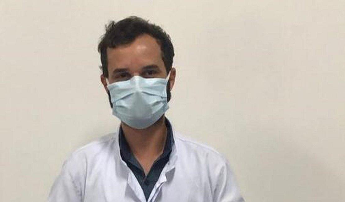 Enfermeiro que atua na linha de frente contra à Covid-19 é o primeiro a ser imunizado em Arapiraca