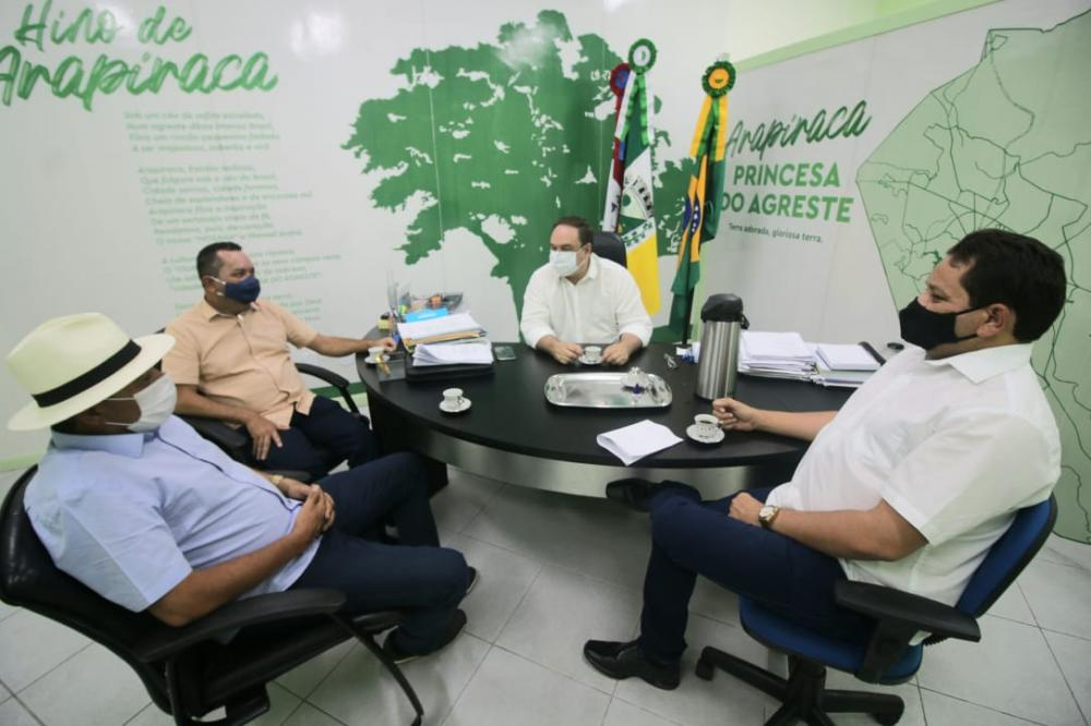 Vereadores Vicente do Remédio, Márcio Canaã e Edvanio do Cangandu são recebidos em audiência por Luciano Barbosa