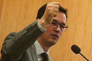 INVESTIGAÇÕES CLANDESTINAS Procuradores combinavam com a Receita quebra de sigilo de ministros do STJ