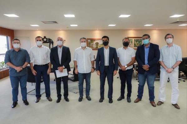 AÇÕES CONJUNTAS Pandemia: Governador e prefeito de Maceió se reúnem para definir novas medidas