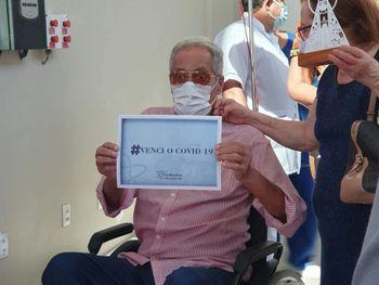 Arivaldo Maia recebe alta hospitalar após mais de um mês internado