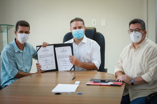 EDUCAÇÃO Governador Renan Filho e secretário autorizam construção de escola em Pariconha