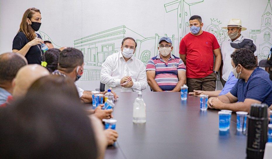 AGRESTE: Projeto do mercado do atacado é apresentado aos comerciantes de frutas e verduras de Arapiraca
