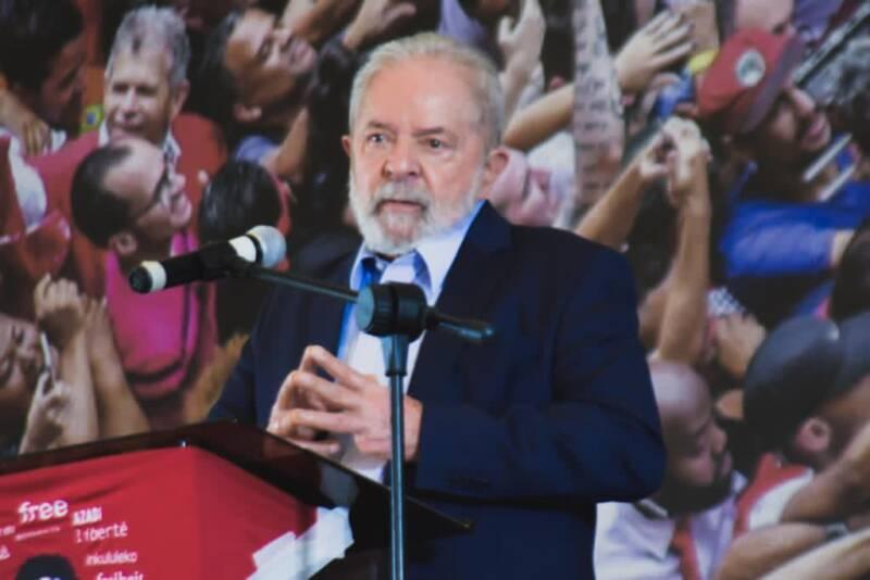 Pesquisa Fórum: Lula dobra em intenção de votos e venceria Bolsonaro se eleição fosse hoje