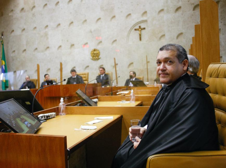 """Nunes Marques vota pela liberação de cultos presenciais: """"sabemos onde essa doença está sendo transmitida, em festas"""""""